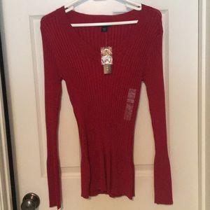 XL Metaphor v-neck sweater deep red